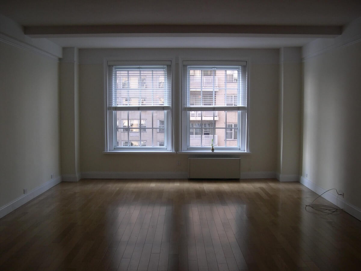 Contemporary Living Room Design by Susan Marocco - MANHATTAN NY 2508